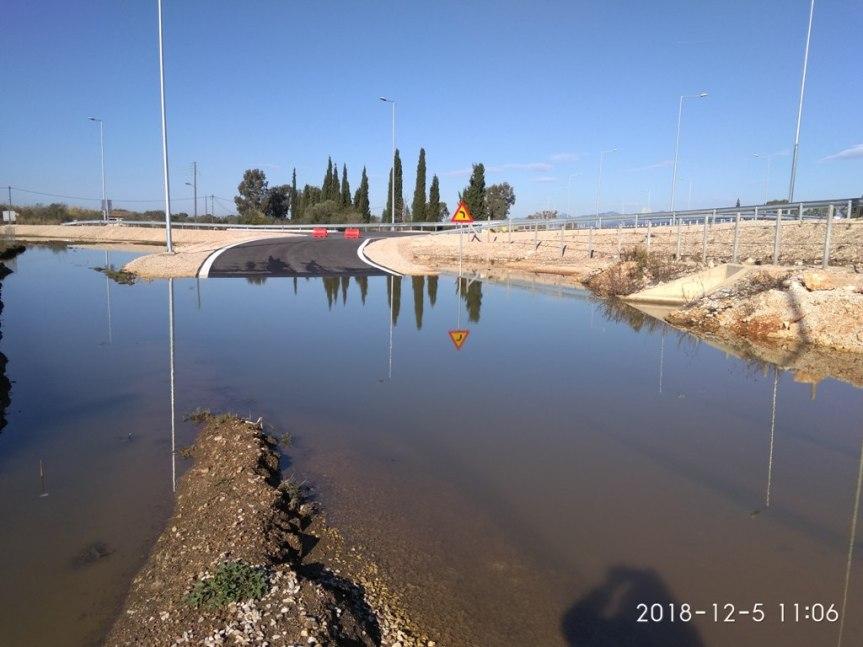 Κατασκευαστικές ατέλειες στη διασταύρωση Ακτίου – Βόνιτσα του δρόμου Άκτιο –Αμβρακία  καταγγέλλει ο βουλευτής Λευκάδας  Θανάσης Καββαδάς στον υπουργόΥποδομών