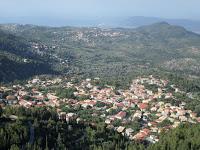 Η Καρυά Λευκάδας είναι ένα μεγαλοχώρι χτισμένο στην στεριανή καρδιά του νησιού και απέχει περίπου 15 χιλιόμετρα από την πόλη της Λευκάδας. Είναι χτισμένη αμφιθεατρικά μέσα στο πράσινο, με παραδοσιακά σπίτια, στενά δρομάκια με αιωνόβια πλατάνια στην πλατεία του χωριού και γάργαρα νερά, αλλά και με το υπέροχο κλίμα της φιλοξενεί κάθε καλοκαίρι χιλιάδες επισκέπτες από την Ελλάδα αλλά και από όλο τον κόσμο. Η ιστορία της Καρυάς είναι στενά συνδεδεμένη με την «καρσάνικη βελονιά» έναν ιδιότυπο τρόπο κεντήματος, που ξεχωρίζει από την πλούσια παράδοση της κεντητικής τέχνης του νησιού. Σήμερα ακόμα οι γυναίκες της Καρυάς κεντούν αυτή τη βελονιά, συνήθεια εξάλλου πατροπαράδοτη, και με αυτό τον τρόπο συνέβαλαν στον οικογενειακό προϋπολογισμό.