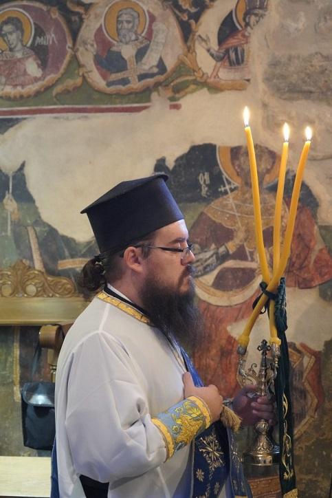 Η εις Πρεσβύτερον χειροτονία του Αρχιδιακόνου της Ιεράς μας Μητροπόλεως π. Χριστοφόρου Αραβανή  στην Ιερά Μονή Αγίου Ιωάννου Προδρόμου στο Λιβάδι ΚαρυάςΛευκάδος.
