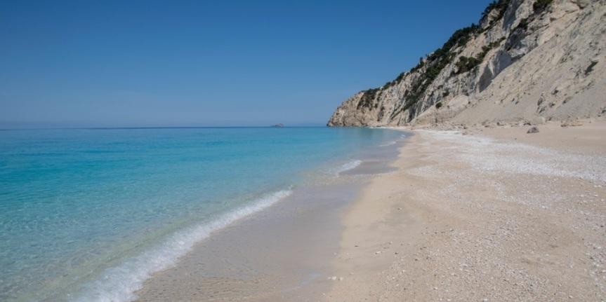 EBD : Οι Εγκρεμνοί Λευκάδας μια από τις 13 ασφαλέστερες, covid-free, παραλίες της Ευρώπης.